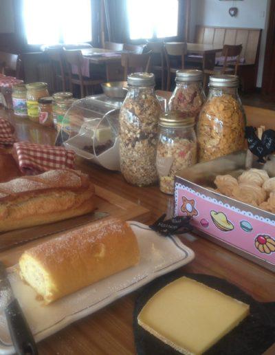 petit-déjeuner-roulé-confiture-meringues-IMG_0677 (3)